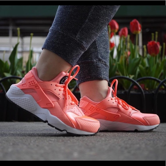 50% off skate shoes 100% quality new arrival eaf4c 7945b sneakers women nike air huarache atomic ...